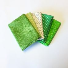 Pack of 5 100% Cotton Mixed Prints Greens Fat Quarters